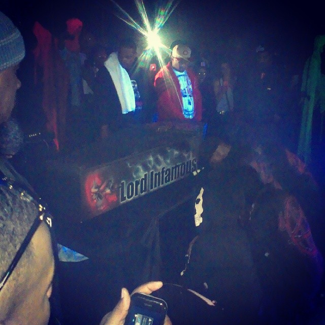 @Damafia6iX Brings Out What appears to be Lord Infamous Casket During Kick Off of the Sinners Tour