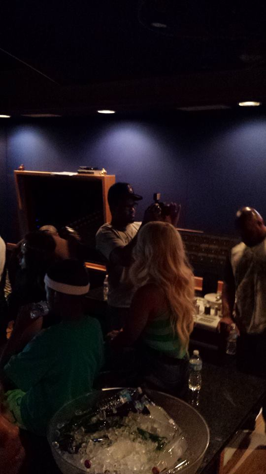 Tiffany Foxx ( @1tiffanyfoxx ) comes home for to St.Louis #Kingfoxx Listening Party